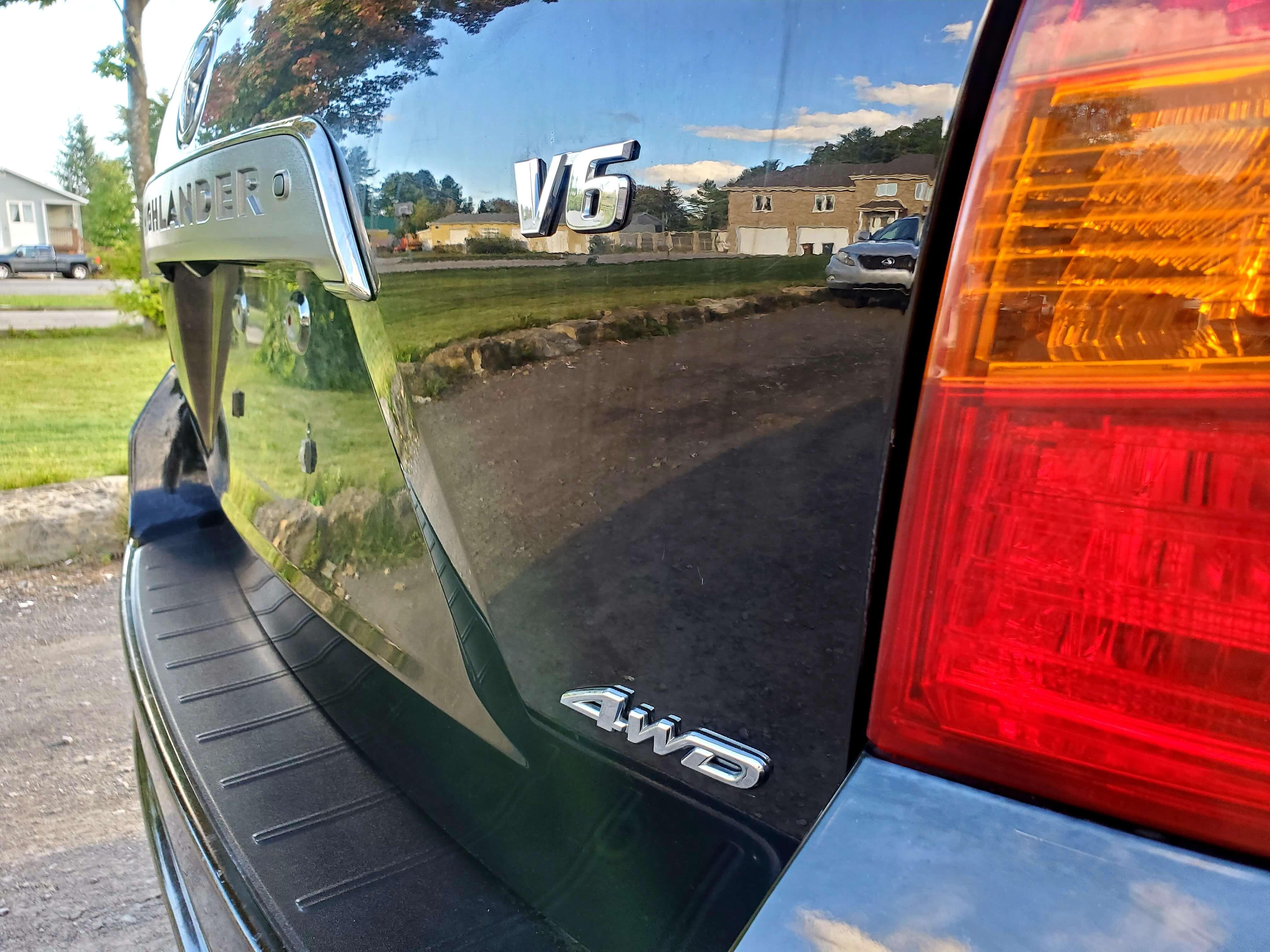 2008 TOYOTA HIGH LANDER SPORT V6 7 SEATS CAMERA,  SUNROOF, LEATHER complet