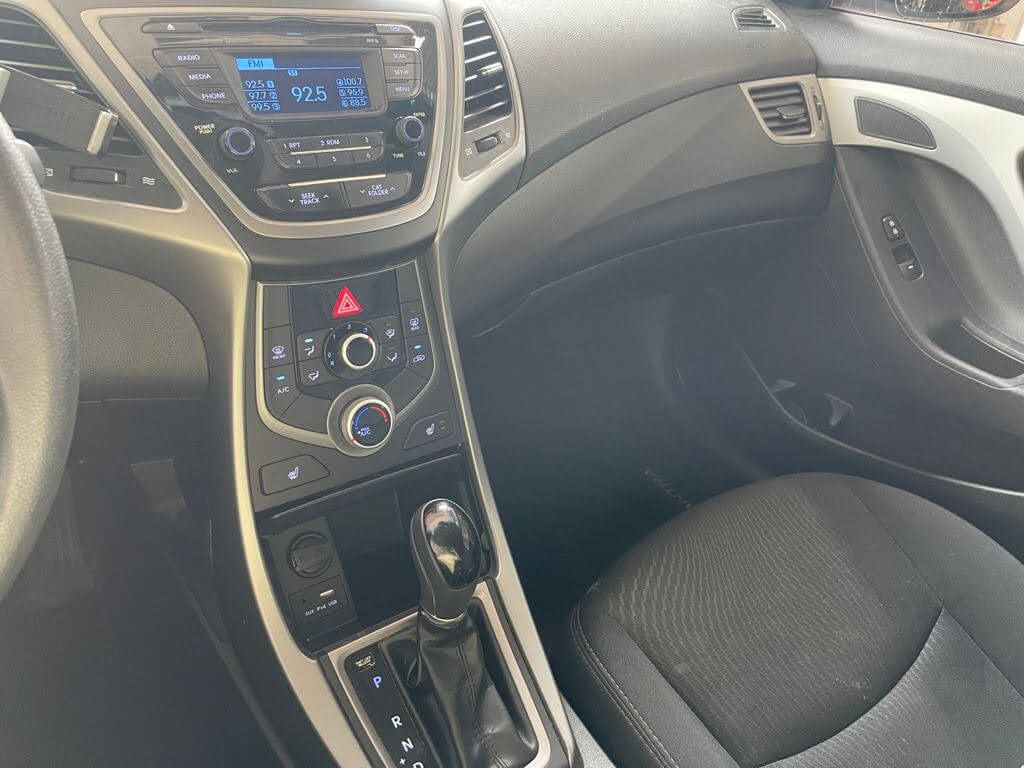 2015 Hyundai Elantra complet